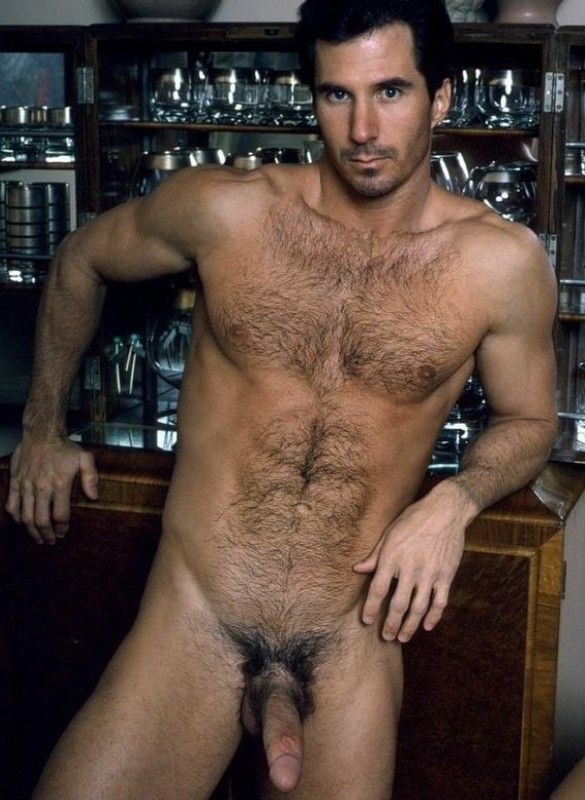 Homme de mnage sexy baise son boss - gaytagnet